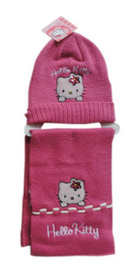 Gorro y bufanda Hello Kitty de color fucsia