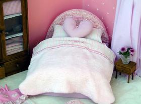 Cama cabezal redondo 40x50 cm rayas y flores rosas incluye colchón, almohada, manta-sabana, cojin corazón
