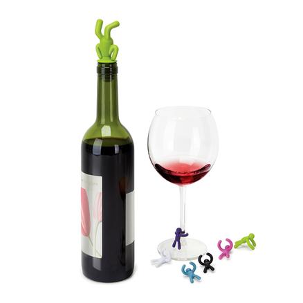 Tapón para la botella con marca vasos en forma de muñeco