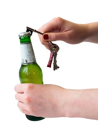 Llavero con forma de llave abrebotellas de bolsillo