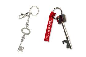 Llavero pareja con forma de llaves