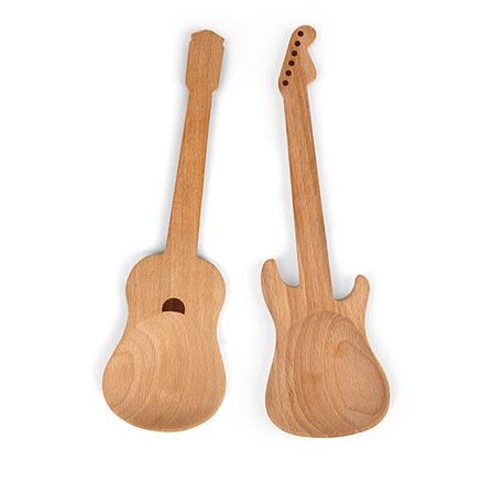 Cucharas de cocina en forma de guitarras